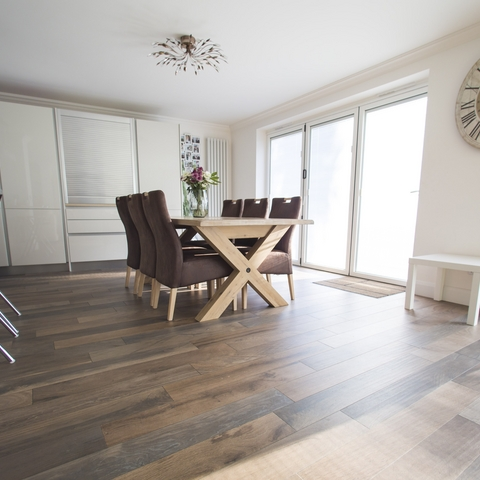 Wood-effect has been used in this beautiful dining room